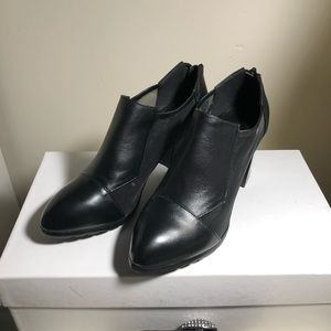 New leather ankle boots size 5